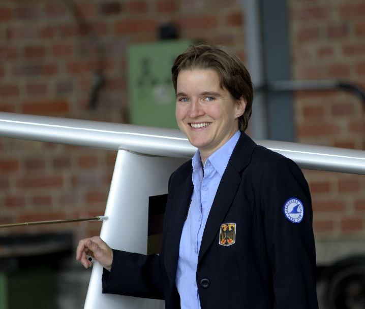susanne_in_uniform